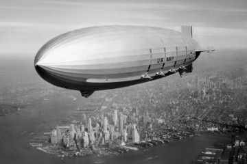 Fotografía zeppelin volando
