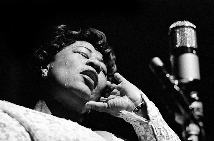 Ella Fitzgerald fotografiada por Herman Leonard