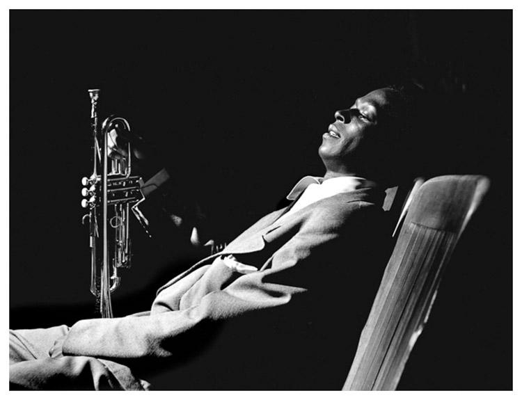 Miles Davis en el backstage