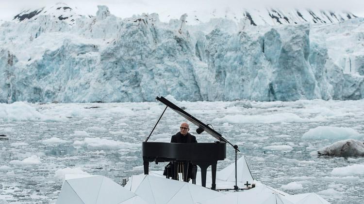 Greenpeace. Save the Arctic