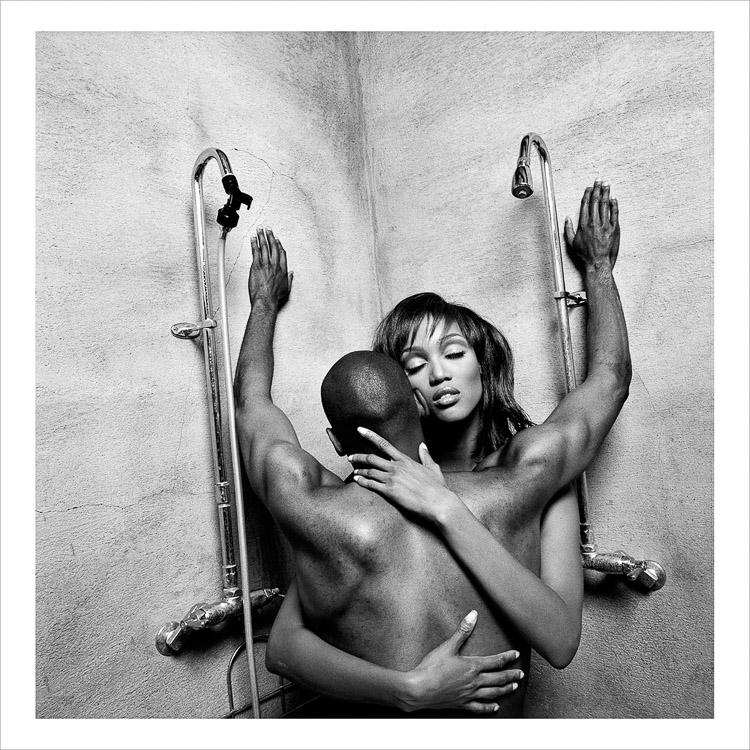 Tyra Banks y John Singleton. Fotografía de Eli Reed