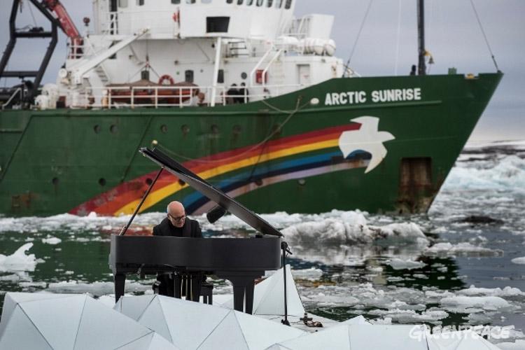 Ludovico Einaudi. Arctic sunrise de Greenpeace
