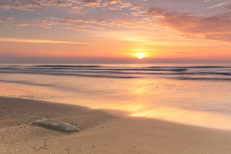 como-conseguir-buenas-fotos-de-amanecer-atardecer-en-la-playa-amanecer