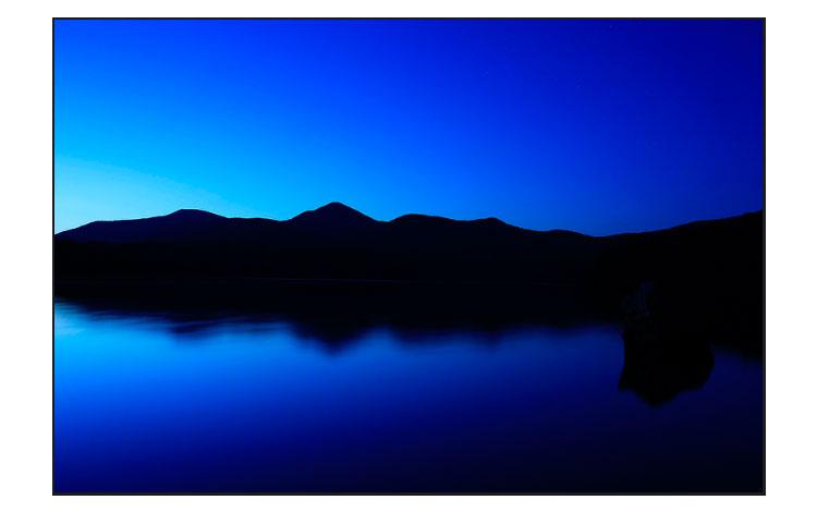 Christa Farrar el azul