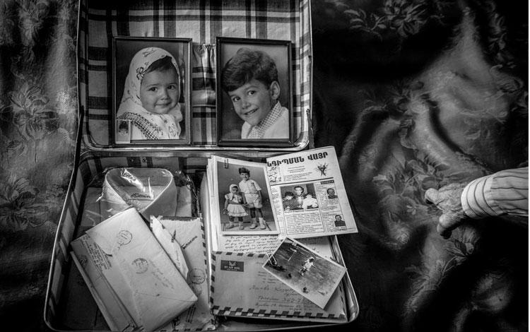 Caja con fotos y recuerdos