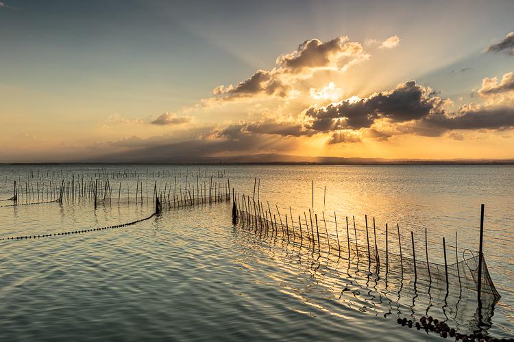 Puesta de sol con el mar