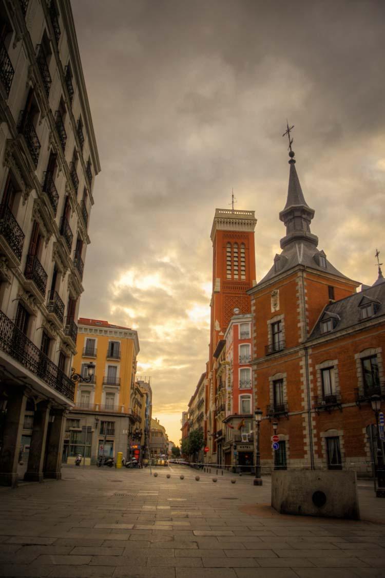 Calle Atocha al amanecer, Madrid