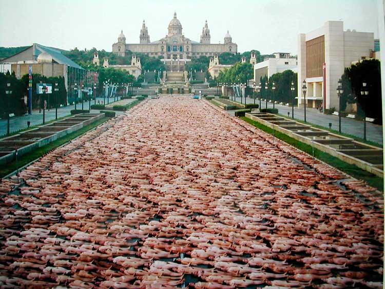 Spencer Tunick en Barcelona en 2003