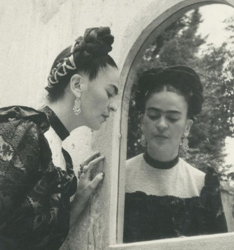 Frida Kahlo espejo Lola Álvarez Bravo