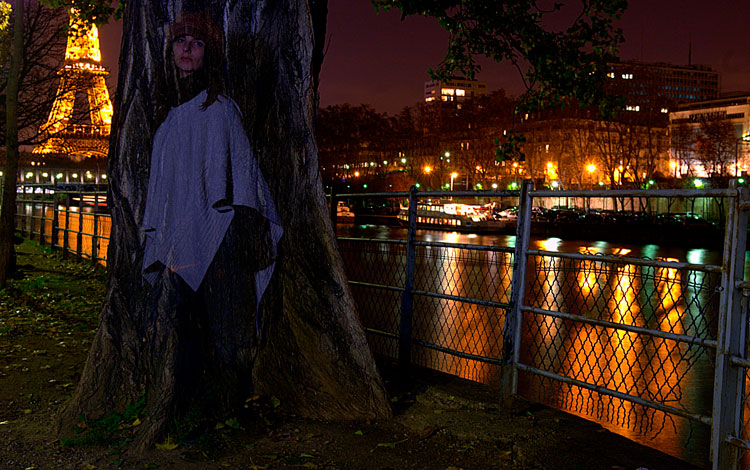 Chica en París