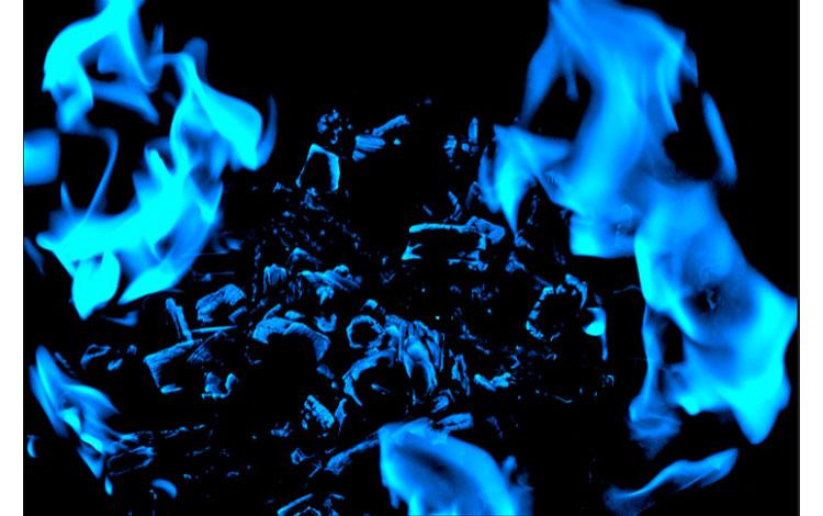 Fuego de color azul