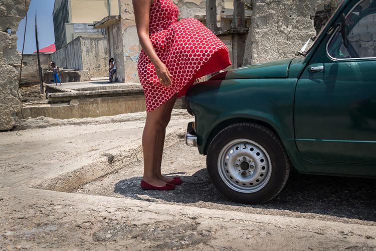 Falda y coche