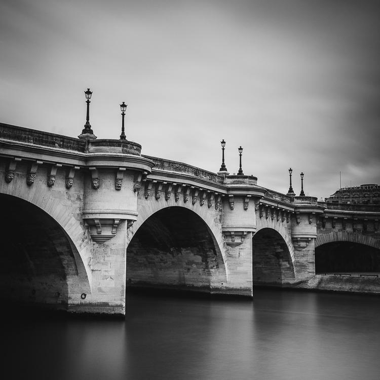 Puente Neuf de París en blanco y negro