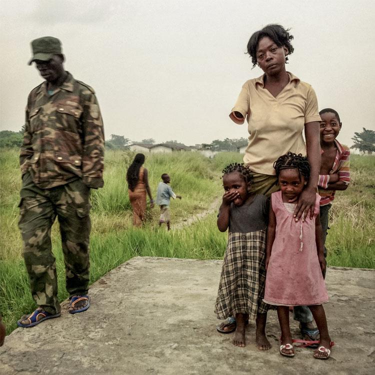 Michael Christopher Brown madre e hijas
