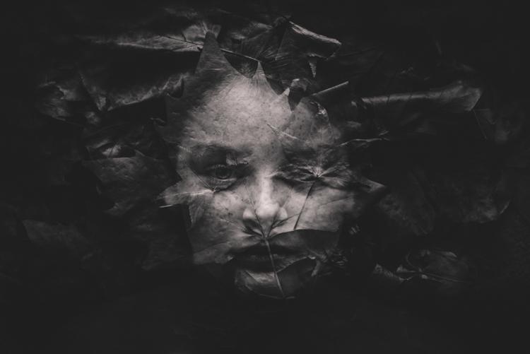 """BW Child Photo: """"Leaves"""", Kelly Tyack (Australia)"""