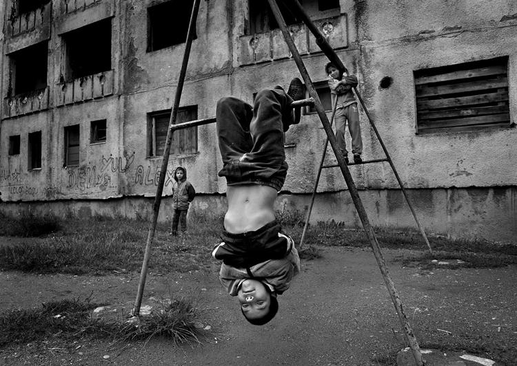 "BW Child Photo: ""Life in Balkan"", Istvan Kerekes (Hungría)"