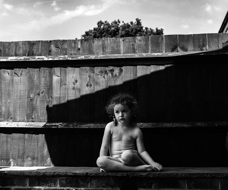 "BW Child Photo: ""In the shade"", Kelly Bird (Gran Bretaña)"