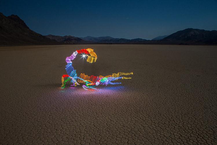 escorpión hecho con luz