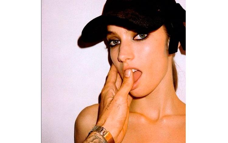 Terry Richardson | Jessica Miller in EmbrasseMoi para Vogue Paris 2002