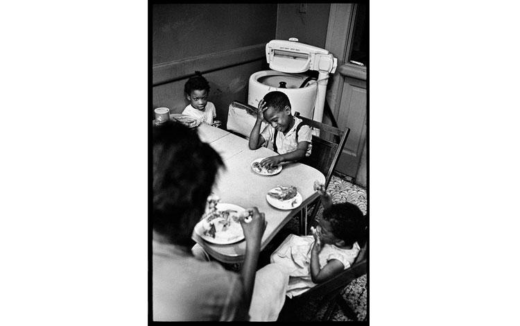 Fotografías de familias afroamericanas en casa