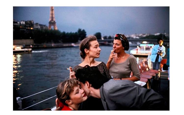 Chicas francesas a orillas del rio
