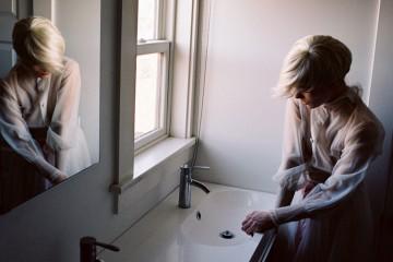 Chica en el baño