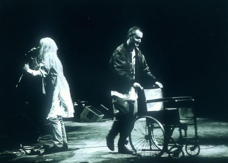 Polémica aparición de Kurt Cobain en 1992