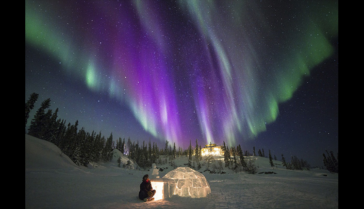 Iglú y aurora boreal