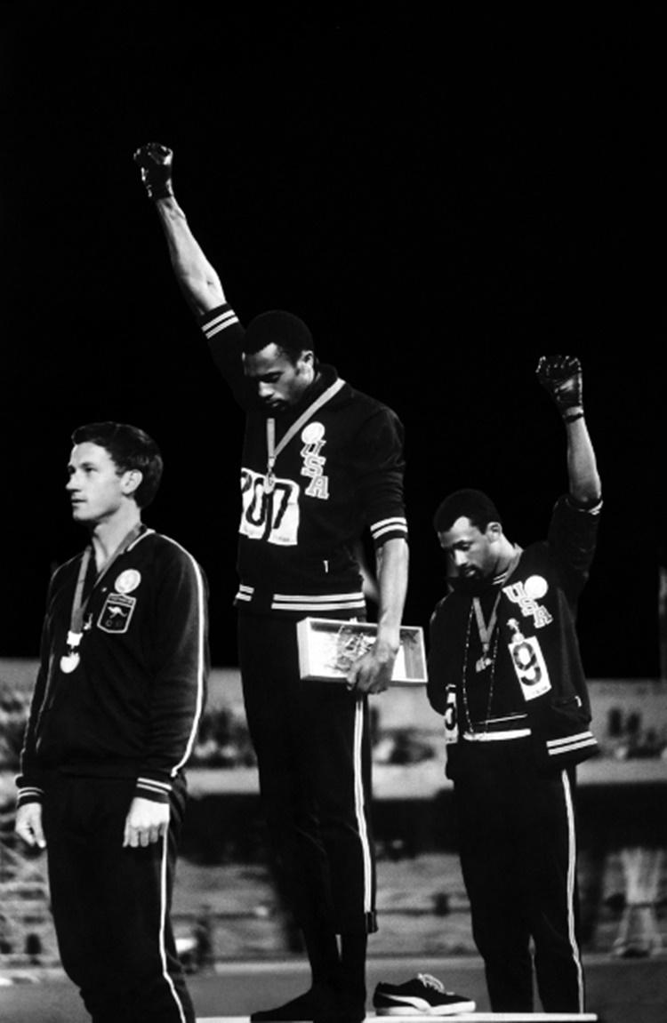 fotografías más influyentes. Black Power Salute de John Dominis tomada en 1968