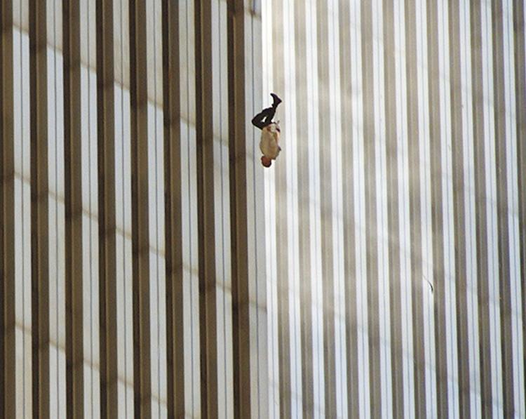 Falling Man de Richard Drew, tomada en 2001