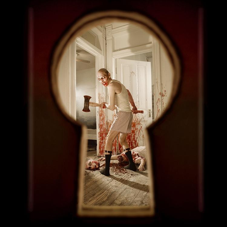 horror-photographer-joshua-hoffine-keyhole