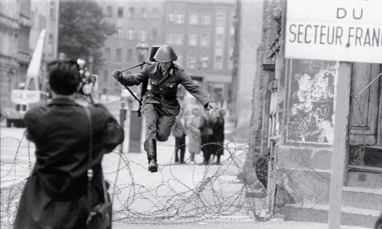 Salto a la libertad, tomada en 1961