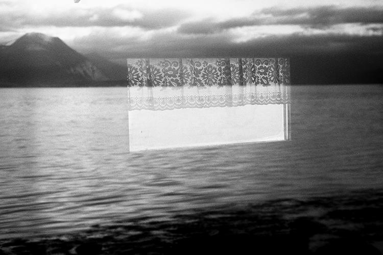 ventana en el mar