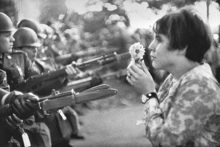 Agencia Magnum: La chica con la flor