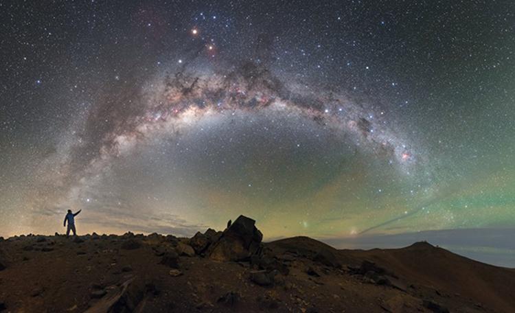 Retratado el cielo desde el Observatorio Paranal en Chile
